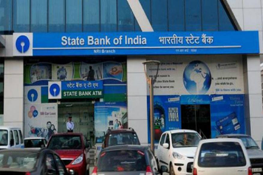 देश का सबसे बड़ा बैंक स्टेट बैंक ऑफ इंडिया (SBI) अपनी एक और सर्विस बंद करने जा रहा है. अगर आपका अकाउंट एसबीआई में है तो आप पर भी इसका असर होगा. क्योंकि 12 दिसंबर से एसबीआई पुराना चेक स्वीकार नहीं करेगा. यानी आपकी चेक बुक बेकार हो जाएगा. अगर आप भी चेक से लेनदेन करते हैं तो 12 दिसंबर से पहले इसे बदलवा लें.