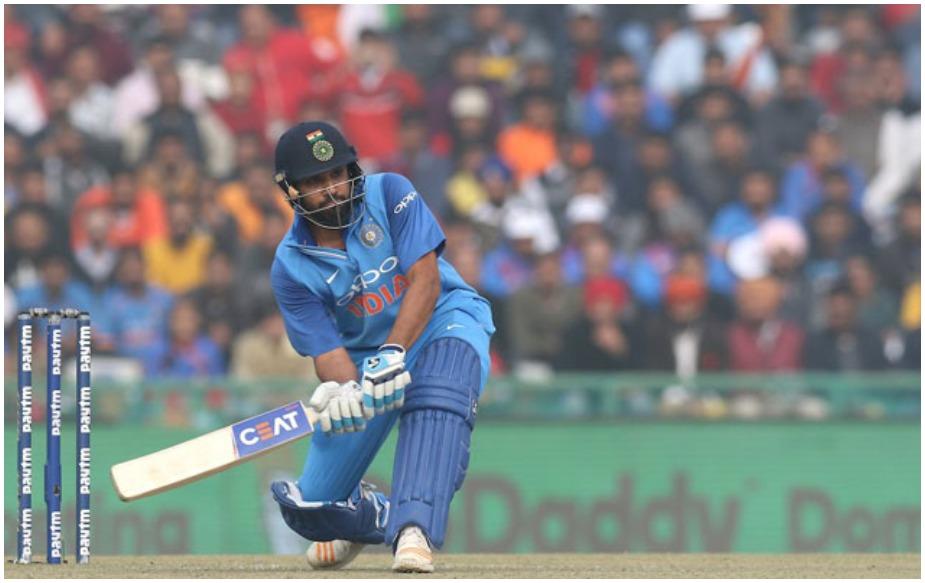 इस दौरान धोनी और रोहित ने चौथे विकेट के लिए 137 रन जोड़े और टीम इंडिया को मुश्किल हालत से उबारने में अहम भूमिका निभाई. 289 के चेज के दौरान टीम इंडिया ने 4 रन पर 3 विकेट गंवा दिए थे. ऐसे में यह साझेदारी शानदार रही. 10 रन से कम स्कोर में 3 विकेट गिरने के बाद यह चौथे विकेट के लिए दूसरी सबसे बड़ी साझेदारी है. सबसे बड़ी 150 रन की साझेदारी का रिकॉर्ड ऑस्ट्रेलिया की एलन बॉर्डर और किम ह्यूज की जोड़ी के नाम है. उन्होंने यह रिकॉर्ड साल 1984 में वेस्टइंडीज के खिलाफ बनाया था.