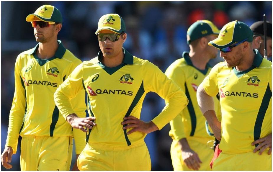 ऑस्ट्रेलिया टीम 1980 के दशक में वनडे खेलने के दौरान हरी और सुनहरे रंग की किट पहना करती थी. हालांकि, उसके बाद से जर्सी में कई सारे बदलाव हो चुके हैं. बहरहाल, ऑस्ट्रेलिया क्रिकेट की ओर से किया गया यह दिलचस्प बदलाव है. क्योंकि इसके जरिए वे लीजेंडरी क्रिकेटर्स को श्रृ्द्धांजलि दे रहे हैं.