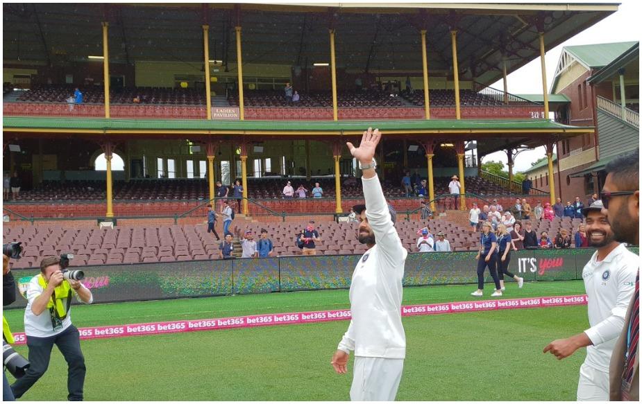 भारत पहली एशियाई टीम है, जिसने ऑस्ट्रेलिया में खेली गई टेस्ट सीरीज में जीत हासिल की है. इसके अलावा, इंग्लैंड, वेस्टइंडीज, न्यूजीलैंड और दक्षिण अफ्रीका के बाद भारत पांचवीं टीम है, जिसने ऑस्ट्रेलिया के खिलाफ सीरीज में जीत हासिल की है. एशियाई टीम को ये जीत 71 साल, 31 सीरीज, 98 टेस्ट के बाद मिली है. इस दौरान 272 खिलाड़ी खेले और 29 कप्तान बदले गए.