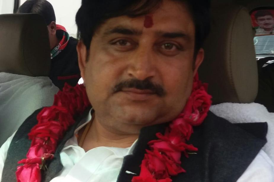 सीबीआई ने इसके साथ ही 2012 से 2016 के बीच खनन मंत्री की भूमिका की जांच के लिए भी लिखा है. हमीरपुर से सपा एमएलसी रमेश मिश्रा, रमेश के भाई दिनेश मिश्रा के खिलाफ भी एफआईआर दर्ज की है.