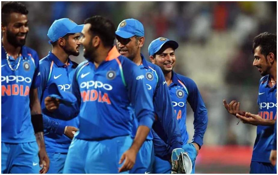 इंडिया अगर ऑस्ट्रेलिया को 3-0 से हराती है: अगर मेहमान ऑस्ट्रेलिया को 3-0 से हराते हैं तो उन्हें एक अंक का फायदा होगा और सीरीज का अंत 122 अंकों के साथ करेंगे. वहीं ऑस्ट्रेलिया को 2 अंकों का नुकसान होगा और 98 अंकों के साथ छठें नंबर पर ही बन रहेंगे.