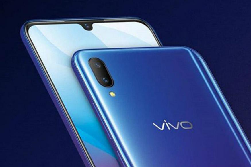 Vivo V9 Pro पर डिस्काउंट: सस्ते दाम में अगर धांसू कैमरा क्वालिटी वाला स्मार्टफोन खरीदने की सोच रहे हैं तो आपके पास इसके लिए अच्छा मौका है. क्योंकि डुअल कैमरा वाला यह स्मार्टफोन अमेजन के Vivo Carnival सेल में सिर्फ 17,990 रुपये में ख़रीदा जा सकता है, जिसमें 6GB RAM है. बता दें कि कंपनी ने लॉन्चिंग के दौरान इसकी कीमत 19,990 रुपये में तय की थी. इसके अलावा, अगर आप इसे एक्सचेंज ऑफर के तहत खरीदते हैं तो इसपर आप 4,000 रुपये का एक्स्ट्रा एक्सचेंज डिस्काउंट पा सकते हैं.