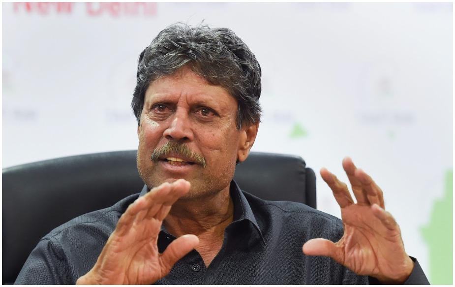 कपिल देव ने 1978 में पाकिस्तान के खिलाफ अपना टेस्ट डेब्यू किया. सीरीज के तीसरे मैच में उन्होंने सिर्फ 33 गेंदों में हाफ सेंचुरी लगाई. कपिल ने इसी साल पाकिस्तान के खिलाफ ही अपना वनडे डेब्यू किया था.