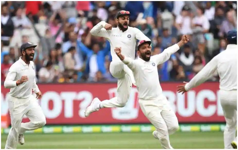 टीम इंडिया को इस बात का हमेशा मलाल रहेगा कि उन्होंने ऑस्ट्रेलिया को फॉलोआन देकर भी जीत हासिल नहीं की. दिलचस्प बात ये है कि 21वीं सदी में ये दूसरा मौका है जब ऑस्ट्रेलिया फॉलोऑन खेलने के लिए मजबूर हुई. ये बड़ा घाटा इसलिए भी है क्योंकि ये बात इतिहास के पन्नों में दर्ज होते-होते रह गई कि टीम इंडिया ने ऑस्ट्रेलिया को उन्हीं की सरजमीं पर फॉलोऑन देने के बाद शानदार जीत दर्ज की थी. टीम इंडिया पिछले 30 सालों में पहली टीम है जो ऑस्ट्रेलिया को उनकी सरजमीं पर फॉलोऑन दे पाई है. आखिरी बार इंग्लैंड नें उन्हें 1988 में फॉलोऑन खिलाया था.