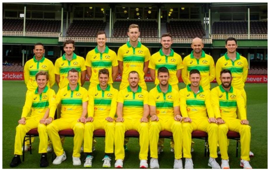 भारत और ऑस्ट्रेलिया टी20 और टेस्ट सीरीज में दम दिखाने के बाद वनडे सीरीज में एक और जबरदस्त मुकाबले के लिए तैयार हैं. तीन मैचों की वनडे सीरीज 12 जनवरी से शुरू हो रही है. घरेलू टीम इस समय काफी खराब हालत में है जिसको देखते हुए सेलेक्टर्स ने इस सीरीज के किए विस्तृत स्तर पर टीम में बदलाव किए हैं. बहरहाल, इन सबके अलावा ऑस्ट्रेलिया भारत के खिलाफ सीरीज के पहले वनडे मैच में एक बार फिर से 40 साल पुरानी यादों को ताजा करने वाली है. वे इस मैच में 1980 के दशक में ऑस्ट्रेलिया टीम के द्वारा इस्तेमाल की गई रेट्रो किट पहनेंगे.