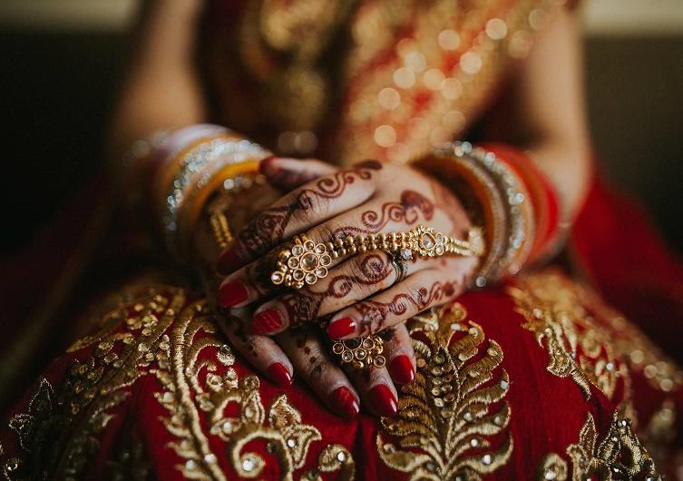 Transgender wedding, wedding first night, uttar Pradesh news, ट्रांसजेंडर की शादी, सुहागरात की कहानी, उत्तर प्रदेश समाचार, love sex or dhokha, detective stories, cheating stories, spouse cheating, shak, doubt, husband and wife, extra marital affairs, how woman cheat on you, tricks of cheating, detective cheating case, real stories of cheating, जासूसी कथाएं, जासूसी कहानियां, वो कैसे देता है धोखा, धोखे की कहानियां, धोखा मिलाना, चीटिंग, साथी ने दिया धोखा, शक, लव सेक्स धोखा, अवैध संबंध, detective story, love sex dhokha, illicit relationship