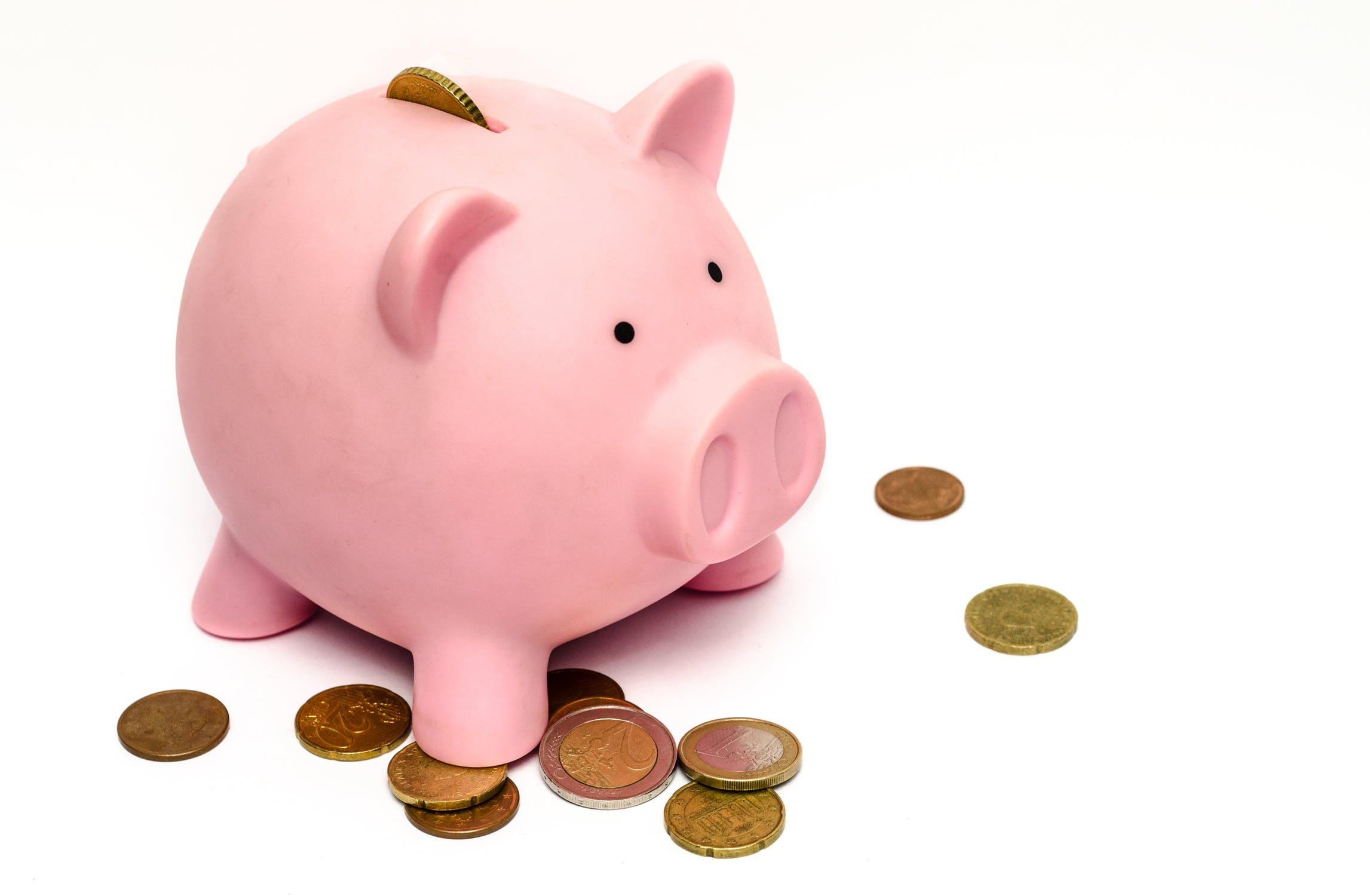 इस दिन किसी को कर्ज या उधार ना दें इससे पूरे साल आपका हाथ खाली रहेगा और आपका पैसा लोगों के पास जाता रहेगा. इसलिए ध्यान रखें किसी को पैसे उधार न दें.