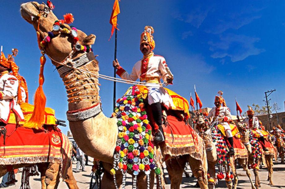 राजस्थान के बीकानेर शहर में 26वां अंतरराष्ट्रीय ऊंट उत्सव (bikaner camel festival) शनिवार से शुरू हो रहा है.कैमलफेस्टिवल के दौरान बीकानेर शहर में देसी-विदेशी पर्यटकों का हुजूम उमड़ने वाला है. इस जलसे का आगाज सजे धजे ऊंटों कीशोभायात्रा से होगा. शोभायात्रा जूनागढ़ से आयोजन स्थल डॉ. करणी सिंह स्टेडियम पहुंचेगी. वहीं पर शनिवार दोपहर 12.30 बजे दो दिवसीय ऊंट उत्सव का उद्घाटन होगा. फेस्टिवल के दौरान यहां कई रोचक प्रतियोगिताओं का आयोजन होगा. ऊंट और ऊंट पालकों के साथ ही देसी-विदेशीपर्यटकों के लिए भी कई प्रतियोगिताएं रखी गई है.पर्यटन विभाग ने इसकी खास तैयारियां की हैं.अगली स्लाइड्स में ऊंट उत्सव की झलकियाें के साथ पढ़ें - खास जानकारी