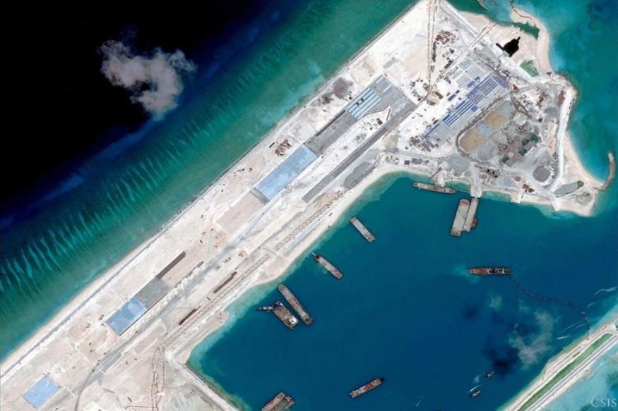 वैश्विक नियमों के अनुसार किसी देश की समुद्री सीमा उसकी जमीनी सीमा के बाद समुद्र में 200 नॉटिकल मील तक मानी जाती है. लेकिन चीन, वियतनाम, फिलीपींस और मलेशिया जैसे देशों के बीच स्थित इस समुद्र में यह अंतरराष्ट्रीय नियम विवादित हो जाता है.