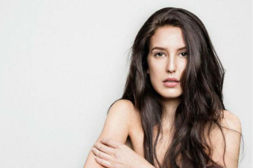साल 2018 में कई स्टार किड्स ने बॉलीवुड में अपने करियर की शुरुआत की. इनमें सारा अली खान, जाह्नवी कपूर का नाम प्रमुखता से लिया जा सकता है. ठीक इसी तरह इस साल यानी कि 2019 में भी नए चेहरे देखने को मिलेंगे. इनमें से एक हैं कटरीना कैफ की बहन इजाबेल कैफ. इजाबेल, सूरज पंचोली के साथ फिल्म 'टाइम टू डांस' से एक्टिंग करियर की शुरुआत करेंगी.