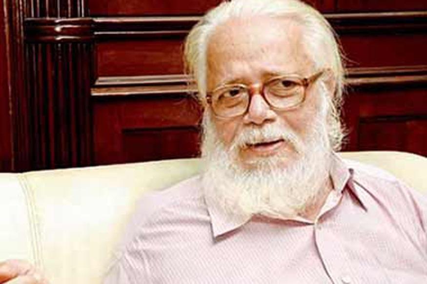 नारायणन एक जमाने में देश के जाने माने साइंटिस्ट रह चुके हैं. वो उस क्रायोजेनिक प्रॉजेक्ट के डायरेक्टर थे, जिसे इसरो उनकी अगुवाई में विकसित कर रहा था. दरअसल ये नारायणन ही थे, जो 70 के दशक में भारत में द्रव ईंधन की तकनीक काम कर रहे थे. तब एपीजे अब्दुल कलाम की टीम ठोस मोटर पर काम कर रही थी.नारायण ने 70 के दशक में इसरो को बता दिया था कि किस तरह भविष्य के प्रोग्राम्स में द्रव ईंधन वाले इंजन काम आने लगेंगे.