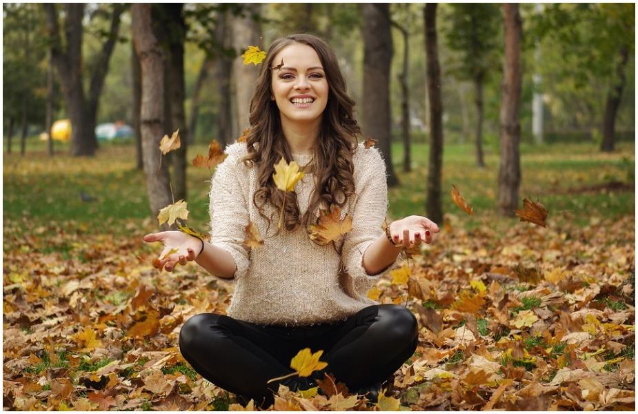 हंसने से शरीर की रोग प्रतिरोधक क्षमता बढ़ती है जिससे शरीर आंतरिक रूप से सेहतमंद होता है और बीमारियाँ नहीं होती हैं.