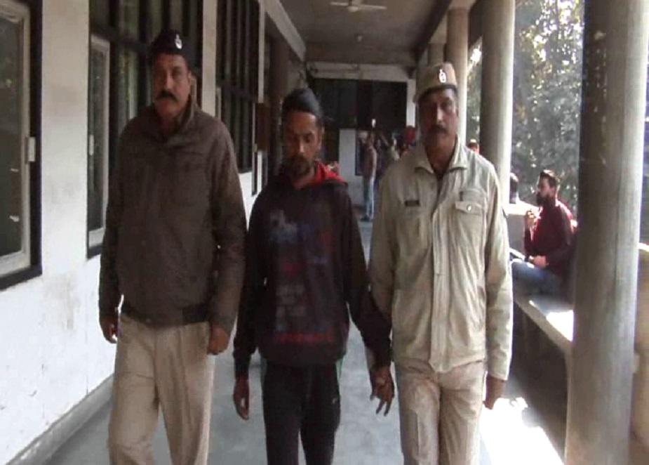 आरोपी देवी सिंह ने माना कि उसने मासूम बच्ची को रोते हुए देख उसे गोद में उठा लिया और बाद में उसे एक इंजेक्शन लगाया जिससे वह बेसुध हो गई.