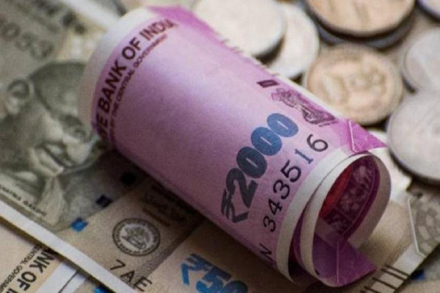 कितना लगेगा जुर्माना- मान लीजिए आपने किसी को 50 हजार रुपये कैश दिया तो आप पर 50 हजार रुपये का जुर्माना लगेगा. सेक्शन 269SS, 269T के तहत भारी जुर्माने का प्रावधान है.