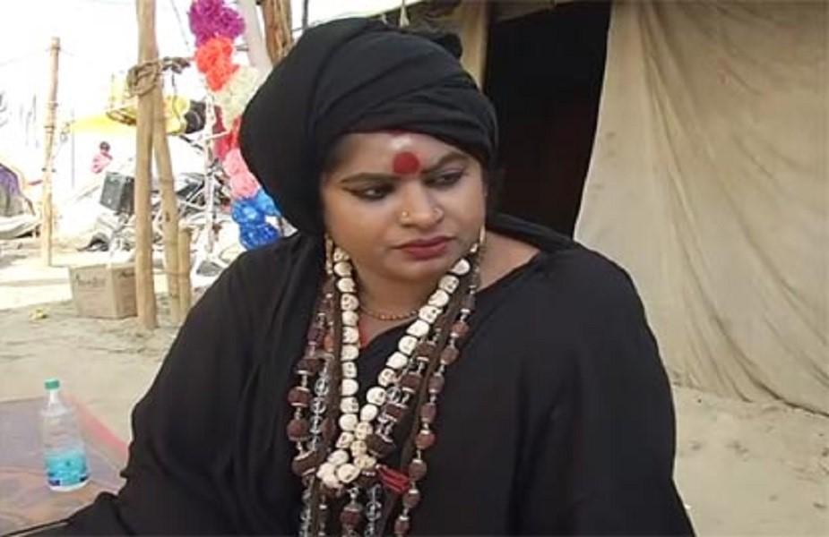 महिला अघोरी ने बताया कि उनकी साधना रात 11 बजे से शुरू हो जाती है, जो देर रात 3 से 4 बजे तक चलती रहती है. फोटो – उमेश श्रीवास्तव