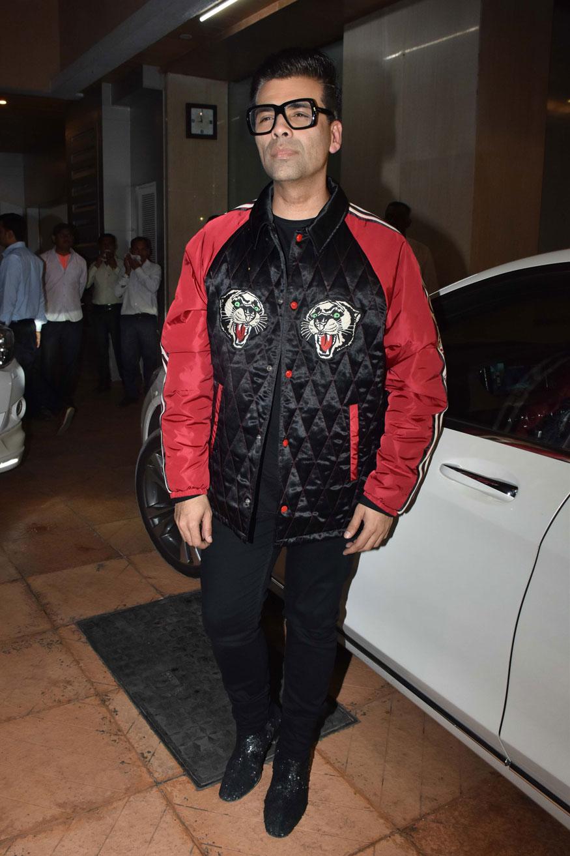 रवि कपूर के नामकरण की रस्म में फिल्म निर्देशक करन जौहर भी शामिल हुए.
