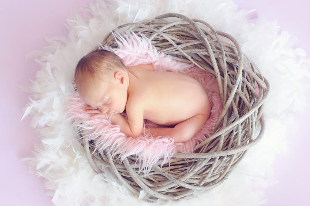 थाइरॉयड ग्रस्त गर्भवती महिलाओं के नवजात शिशुओं को भी नियोनेटल हाइपोथाइरॉयड होने की संभावना होती है, इसलिए प्रेग्नेंसी के दौरान किसी भी तरह की लापरवाही बरतने पर नुकसान हो सकता है.