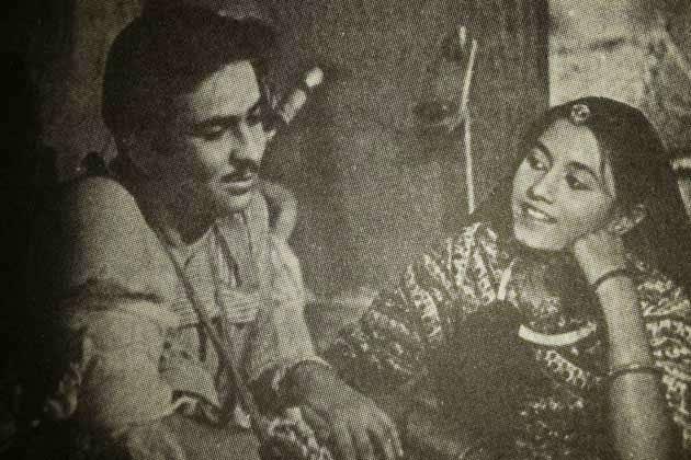 मधुबाला के बचपन का नाम 'मुमताज जहां देहलवी' था. मधुबाला का अभिनय देखकर उस समय की जानी-मानी अभिनेत्री देविका रानी बहुत प्रभावित हुई और मुमताज जेहान देहलवी को अपना नाम बदलकर 'मधुबाला' के नाम रखने की सलाह दी थी.