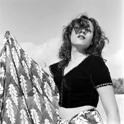 1950 वो दौर था जब मधुबाला की फिल्में फ्लॉप हो रही थीं और आलोचकों ने कहना शुरू कर दिया था कि मधुबाला में प्रतिभा की कमी है, सिर्फ सुंदरता की वजह से ही उनकी फिल्में हिट हो रही हैं.