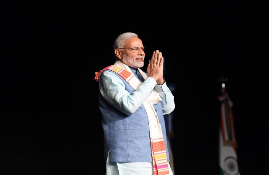 अनुभव कहते हैं मोदी को देखकर लगता है कि वे ईमानदार हैं, बाक़ी राहुल गांधी और उनके जीजाजी वाड्रा कहीं ना कहीं उलझे हैं लेकिन उनके ऊपर को लेकर कोई ऐसा इल्जाम नहीं है.
