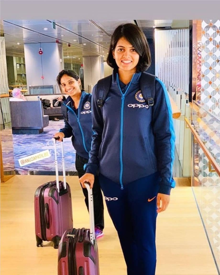 चूरू के जनाऊ खारी गांव की प्रिया को भारतीय महिला टी-20 टीम में पिछले साल ही चयन हुआ है.