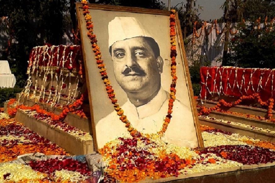 भारत में एक ऐसे नेता हुए हैं, जिन्होंने चार बार मेरठ से बड़े अंतर से लोकसभा का चुनाव जीता. ये नेता आजाद हिंद फौज के बड़े अफसर भी थे. उनका नाम था शाहनवाज खान. बाद में भारतीय राजनीति में एक बड़े नेता के रूप में उभरे. मंत्री भी बने. जब उन्होंने 1952 में मेरठ में पहला चुनाव जीता तो उनका परिवार और बेटे पाकिस्तान में थे. दरअसल उन्होंने खुद तो भारत में रहना मंजूर किया था लेकिन उनके परिवार ने पाकिस्तान से भारत आने के लिए साफ मना कर दिया था.
