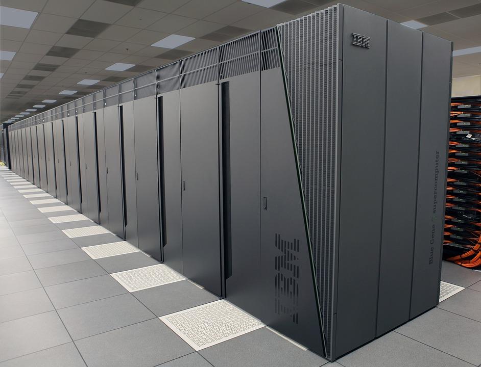 सुपर कंप्यूटर परम शिवाय को 'नेशनल सुपर क्प्यूटिंग' मिशन के तहत 'बनारस हिंदू यूनिवर्सिटी' के 'इंडियन इंस्टिट्यूट ऑफ टेक्नोलॉजी' द्वारा बनाया गया है.(सांकेतिक तस्वीर)