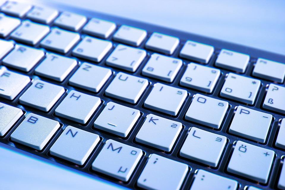 उदघाटन के मौके पर पीएम मोदी ने परम शिवाय के इस्तेमाल पर कहा, सुपर कंप्यूटर का सोफ्टवेयर बहुत से साइंटिफइक एरिया में डेवलप किया जाएया. सोफ्टवेयर बनाने के साथ-साथ ही मोडलिंग भी अप्लाई कर दी जाएगी.(सांकेतिक तस्वीर)