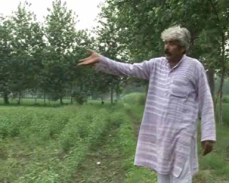 यमुनानगर के एक छोटे से गांव का रहने वाला धर्मवीर जो पहले भी किसान था, लेकिन 1990 में उसके हालात ऐसे हो गए थे कि उसके पास रोटी खाने के लिए भी पैसे नहीं थे. ऐसे में परिवार का पालन पोषण करने के लिए धर्मवीर दिल्ली चला गया. यहां उसे अपने परिवार का पेट पालने के लिए रिक्शा चलाना पड़ा.