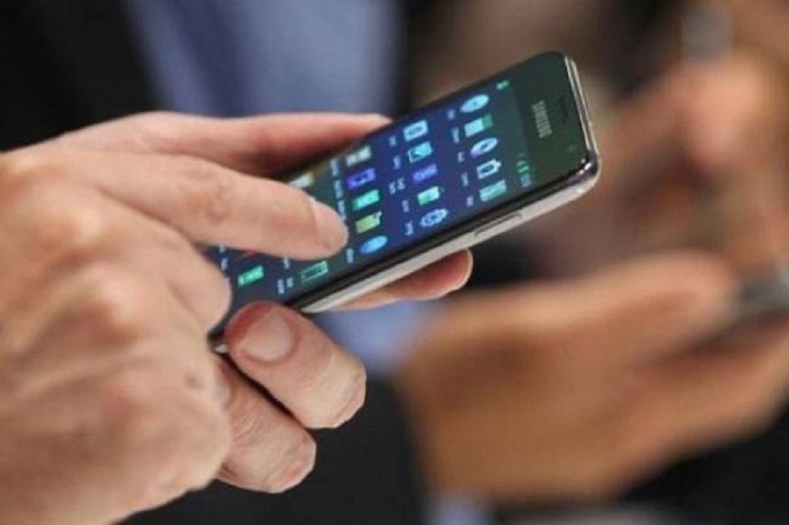 જ્યારે તમને લાગે કે મોબાઇલ ફોનના અંદરનો ભેજ સૂકાય ગયો છે ત્યારે તેને મોબાઇલ ફોનને ટેકનીકી પાસે લઈ જાઓ અને તેને મોબાઇલને યોગ્ય કરવો. તમે પોતે મોબાઇલ ફોન પર સ્વિચ ઓફ કે સ્વિચ ઓન કરશો નહીં.