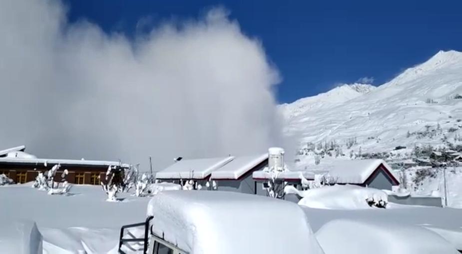 12 मार्च को लाहौल स्पीति के गोशाला गांव में पहाड़ी से स्नो एवलांच हुआ था.