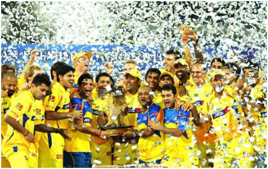 दो साल के बैन के बाद पिछले सीरीज में वापसी करनी वाली इस टीम पर उम्रदराज होने का टैग चस्पा है, लेकिन उसने चैंपियन बनकर हर किसी को हैरान कर दिया. फाफ डू प्लेसी, धोनी, सुरेश रैना, मुरली विजय, केदार जाधव और अंबाती रायडू इस टीम के स्टार बल्लेबाज़ हैं तो शेन वॉटसन, रवींद्र जडेजा, ड्वेन ब्रावो आदि का ऑलराउंडर खेल विरोधियों की हवा खराब कर सकता है. शार्दुल ठाकुर, दीपक चाहर, लुंगी एन्गिडी और मोहित शर्मा की तेज चौकड़ी को हरभजन सिंह, इमरान ताहिर और कर्ण शर्मा की स्पिन तिकड़ी का भरपूर साथ मिलेगा.