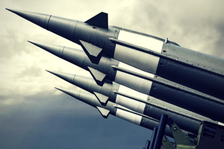 रॉयटर्स ने अपनी रिपोर्ट में कहा है कि यह उसने पांच सूत्रों से इस पूरे घटनाक्रम की पुष्टि की. रिपोर्ट के अनुसार, अमेरिका के राजनयिक, भारत, पाकिस्तान व वॉशिंगटन स्थित सूत्रों ने जानकारी दी कि भारत ने पाकिस्तान पर कम से कम 6 मिसाइलें दागने की धमकी दी थी. वहीं, पाकिस्तान ने कहा था कि वह इसे जवाब में तीन गुना ज्यादा मिसाइल दाग देगा.