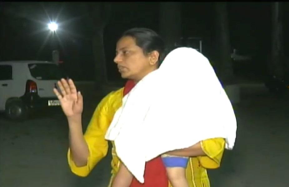 एसएसपी रुचि वर्धन मिश्रा ने स्टाफ को निर्देश दिया कि वो वारंट पर सख़्ती से तामील करें.