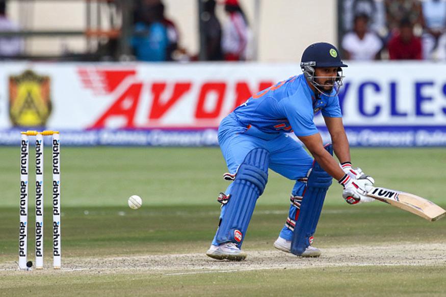 साल 2014 में डेब्यू करने वाले केदार जाधव का भी चेज़ करते हुए 46.28 का औसत है. जाधव ने भी चेज़ करते हुए वनडे में एक शतक लगाया है.