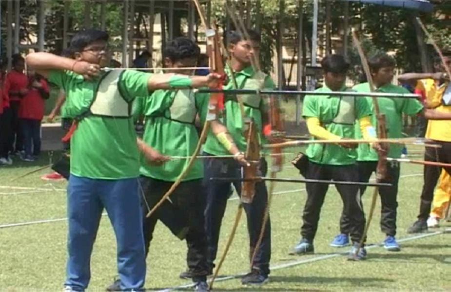 यहां सुदूर ग्रामीण क्षेत्र के तीरंदाजों ने बड़े जोश व उमंग के साथ प्रतियोगिता में भाग लिया.
