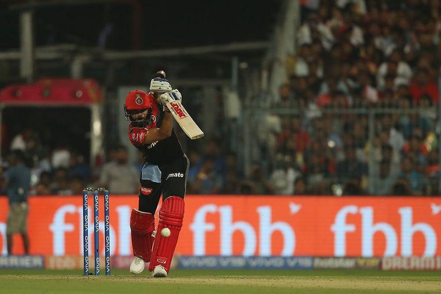 टॉस हारकर पहले खेलते हुए रॉयल चैलेंजर्स बैंगलोर ने के कप्तान विराट कोहली ने कोलकाता नाइटराइडर्स के खिलाफ रनों का अंबार लगा दिया. उन्होंने 57 गेंदों में शतक ठोक दिया