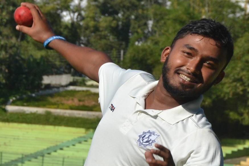 पृथ्वी राज ने अभी तक 6 फर्स्ट क्लास मैचों में 21 विकेट लिए हैं तो लिस्ट ए में एक मैच में 2 विकेट निकाले हैं.