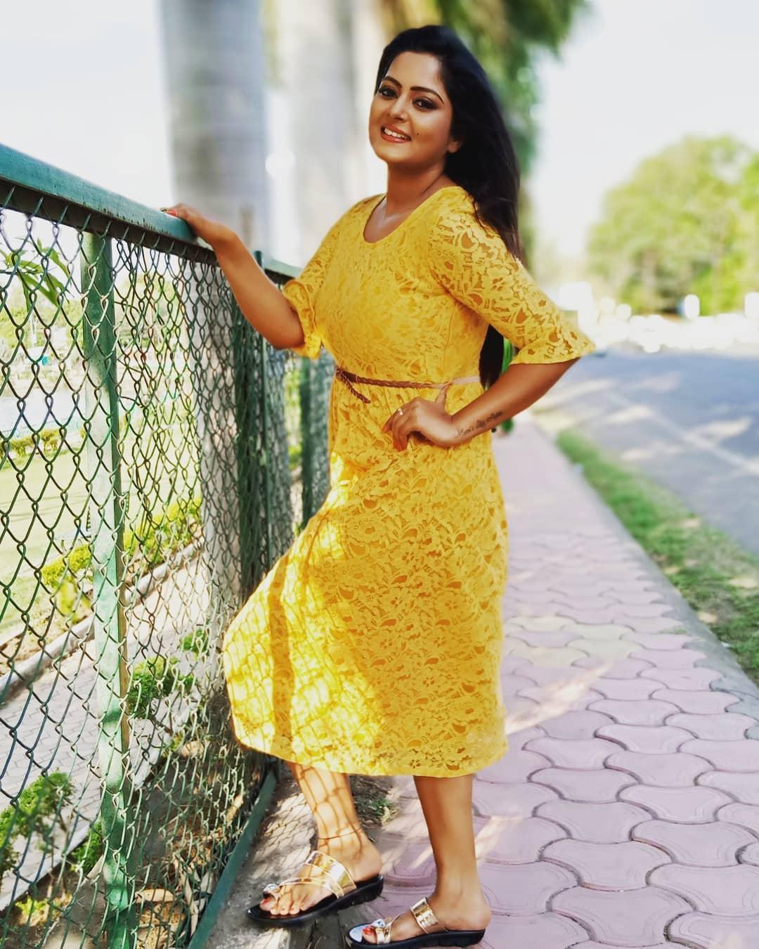 हाल में अंजना भोजपुरी सुपरस्टार रवि किशन के साथ सनकी दरोगा में नजर आई थीं. रवि किशन की ये फिल्म काफी पसंद की गई थी.