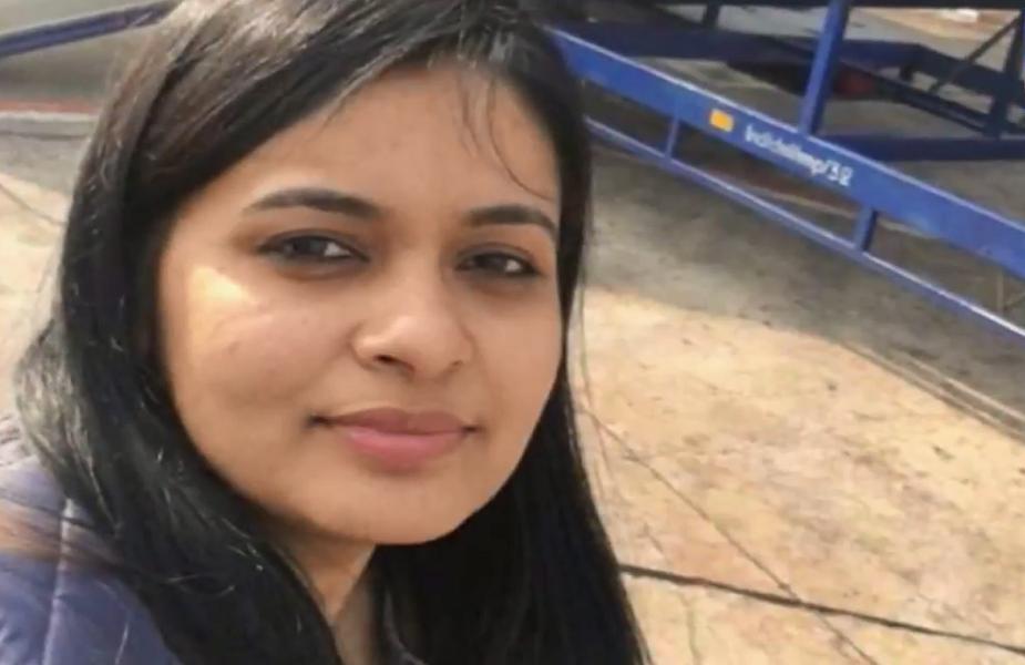 हमेशा लाइमलाइट से दूर रहेने वाली अपूर्वा दिल्ली में ही रहती हैं.