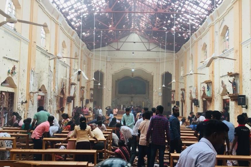 ईस्टर के दिन रविवार को सुबह 8 बजकर 45 मिनट पर श्रीलंका में राजधानी कोलंबो सहित देश के अन्य हिस्सों में 8 धमाके हुए जिसमें190 से अधिक लोगों की जान चली गई और सैकड़ों लोग घायल हो गए.