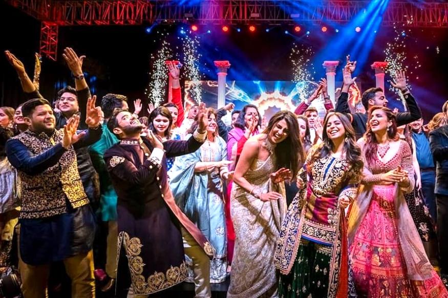 इस दिन दुनिया भर में तरह-तरह के डांस इवेंट आयोजित किए जाते हैं. भारत की बात करें तो कुछ ऐसे डांसर हैं, जिन्होंने अपने हुनर से पूरी दुनिया में नाम रौशन किया है.(सभी प्रतीकात्मक तस्वीरे)