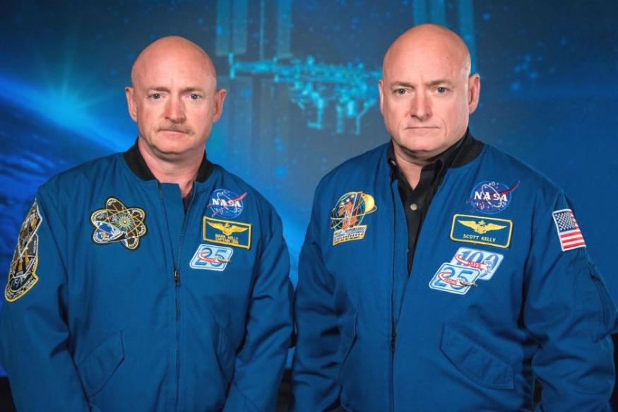 स्कॉट मार्च 2015 से एक साल तक अंतरराष्ट्रीय अंतरिक्ष स्टेशन में रहे. इस दौरान उनके जुड़वा भाई केली धरती पर थे. बाद में दोनों भाईयों का तुलनात्मक अध्ययन किया गया.
