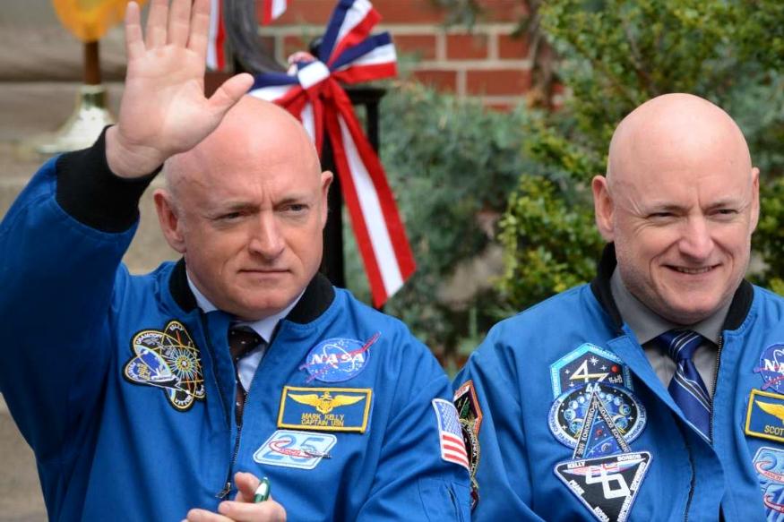 जुड़वां लोगों पर नासा लंबे वक्त से अध्ययन कर रहा था. उसने बहुत चौंकाने वाले नतीजे सामने रखे हैं. नासा ने यह प्रयोग दो जुड़वा एस्ट्रोनॉट्स भाईयों स्कॉट केली और मार्क केली पर किया था. इस प्रयोग में अंतरिक्ष में रहने के चलते दोनों भाईयों के जीन में अंतर देखा गया.