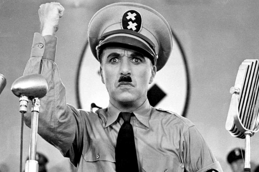 उस दौर में पूरा यूरोप आर्थिक महामंदी से गुजर रहा था. तानाशाहों का आतंक था, ऐसे में चार्ली के पास हिटलर के नाजीवाद से लड़ने के लिए हास्य और व्यंग के हथियार थे. चार्ली ने लोगों को सिखाया कि हास्य को डर के खिलाफ हथियार कैसे बनाया जा सकता है.