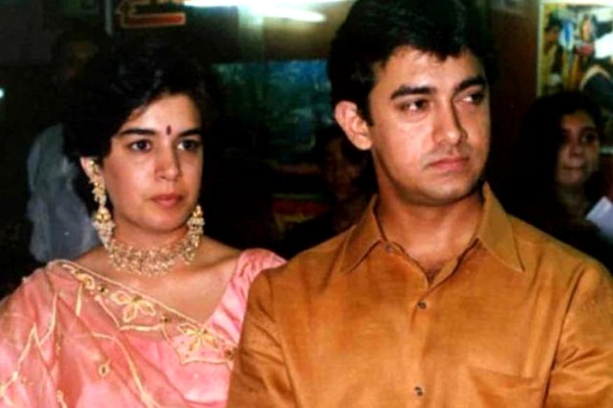 आमिर खान के अपनी पहली पत्नी रीना दत्ता से अलग होने की खबर ने देश में कई लोगों को चौंका दिया था. इस कपल के दो बच्चे इरा और जुनैद हैं. दोनों ने 2002 में एक फैमिली कोर्ट में आपसी सहमति से तलाक ले लिया था. इसके बाद दोनों बच्चों की कस्टडी रीना को मिल गई थी. और आमिर ने इसके बाद 'लगान' की असिस्टेंट डायरेक्टर रहीं किरण राव से शादी कर ली थी.