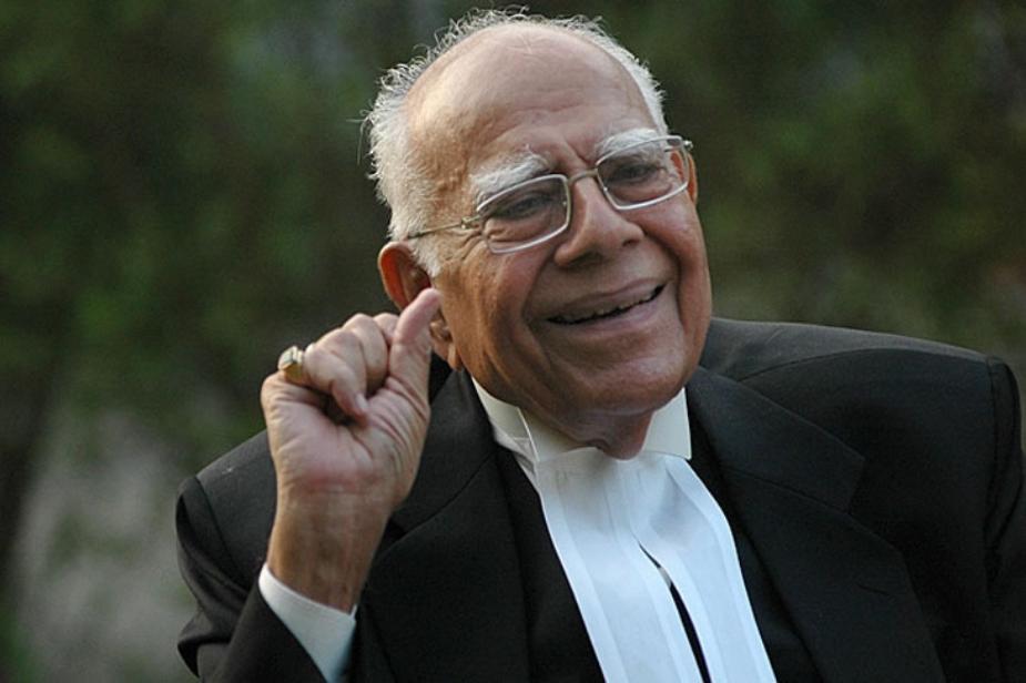 2004 में निर्दलीय लड़ने आए सुप्रीम कोर्ट के नामी वकील राम जेठमलानी के कंधे पर कांग्रेस ने अपनी भी उम्मीद रख दी, लेकिन जनता ने बुरी तरह से झटक दिया.