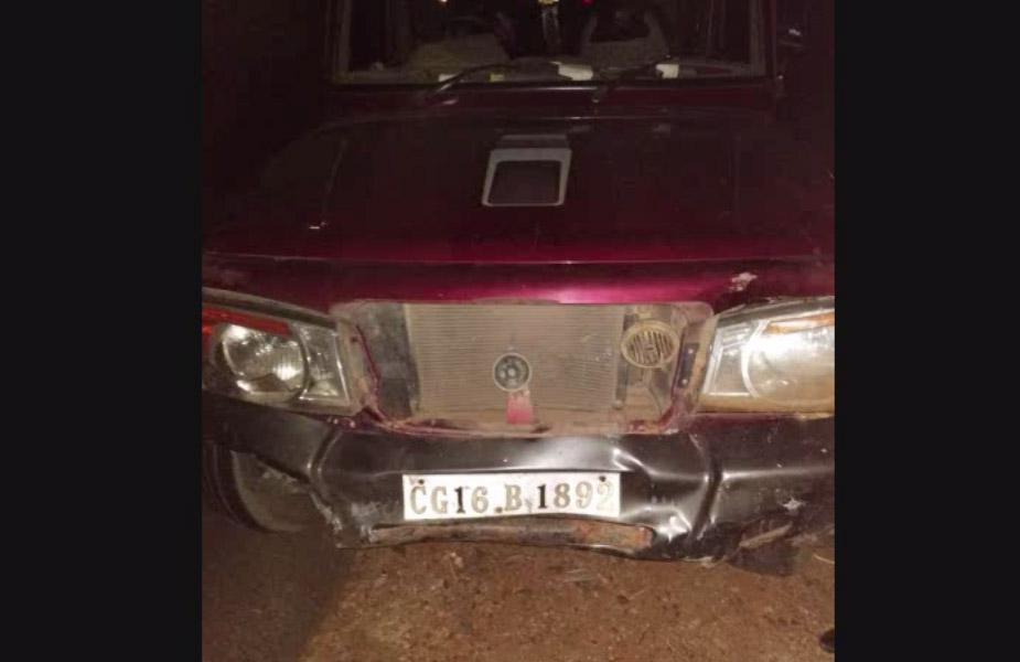 वहीं घटना की सूचना मिलते ही मौके मौके पर पहुंची ओडगी पुलिस ने आक्रोशित ग्रामीणों को शांत कराया.