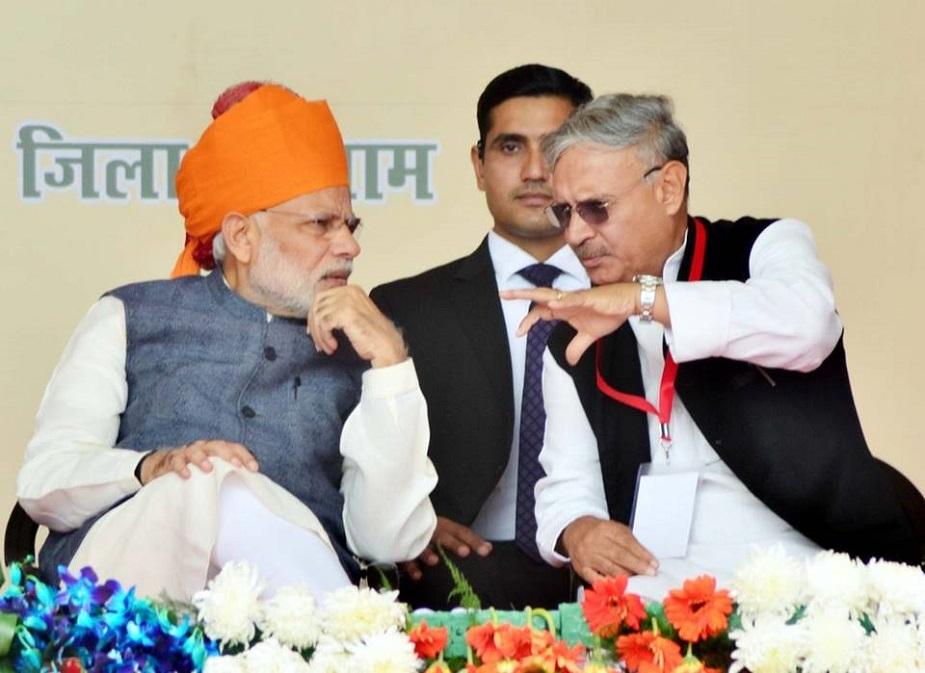 गुरुग्राम सीट से प्रत्याशी राव इंद्रजीत गुरुग्राम के मौजूदा सांसद व केंद्र में राज्यमंत्री हैं. वह 1998, 2004 और 2009 में भी सांसद रह चुके हैं. वर्ष 2014 में उन्होंने भाजपा ज्वाइन की और वह चौथी बार सांसद बने. उन्होंने अपने निकटतम प्रतिद्वंद्वी इनेलो प्रत्याशी जाकिर हुसैन को हराया था. वह चार बार हरियाणा के विधायक भी रह चुके हैं. राव इंद्रजीत मूल रूप से रेवाड़ी निवासी हैं.
